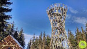 Górskie Wyrypy, wieża iwiata turystyczna naszczycie Borowa wGórach Wałbrzyskich