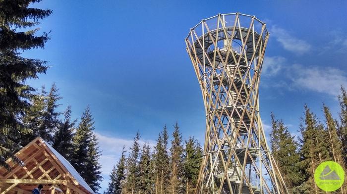 Górskie Wyrypy, wieża i wiata turystyczna na szczycie Borowa w Górach Wałbrzyskich