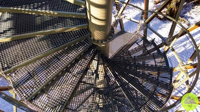 Górskie Wyrypy, wieża widokowa naBorowej wGórach Wałbrzyskich