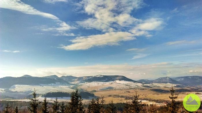 Górskie Wyrypy, Góry Suche widziane z wieży na Borowej