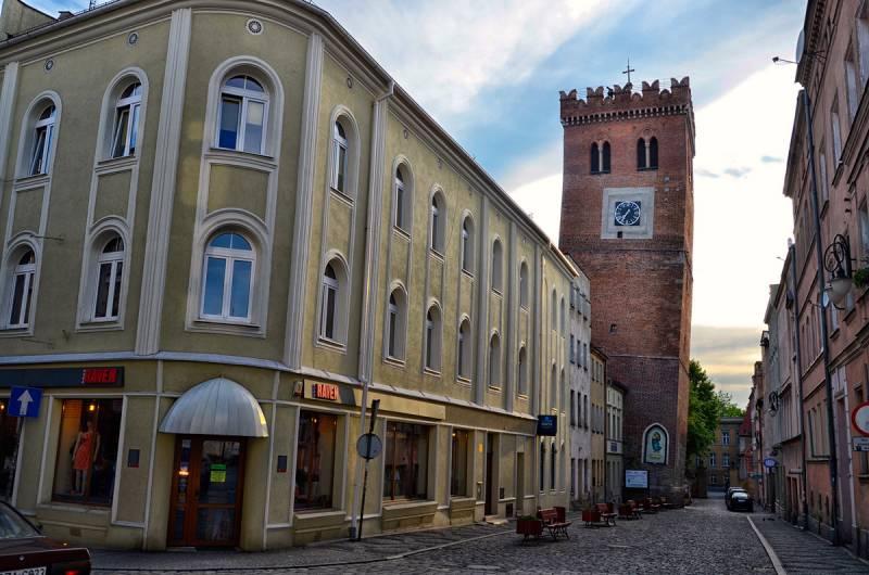 Krzywa Wieża w Ząbkowicach, fot. euroregion-glacensis.ng.pl