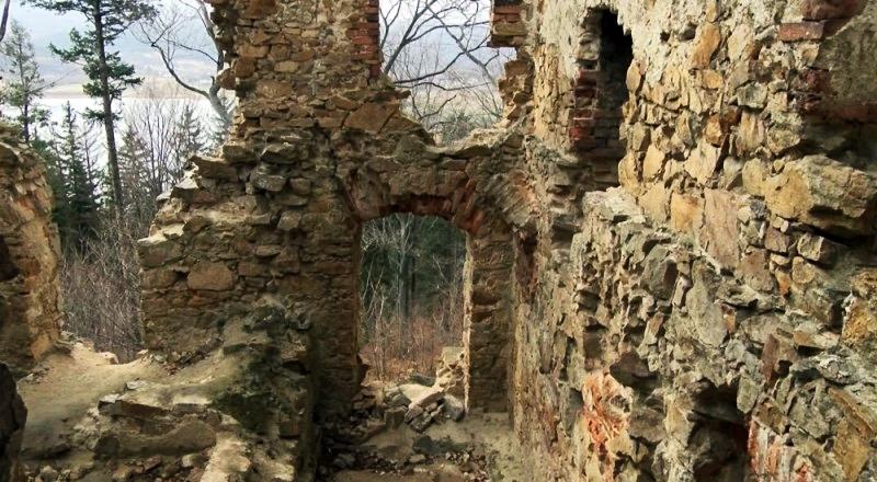 zamek ksiecia henryka, górskie wyrypy, ruiny zamku