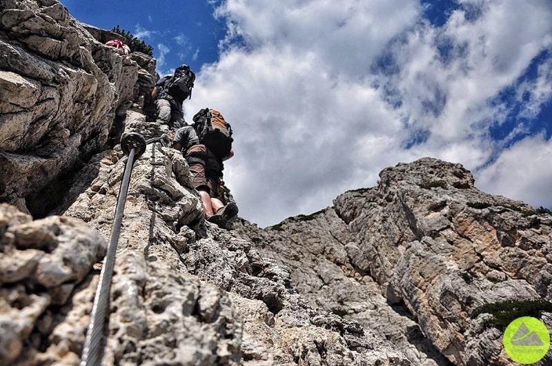 wysokogórska droga ubezpieczona na szczyt col rosa