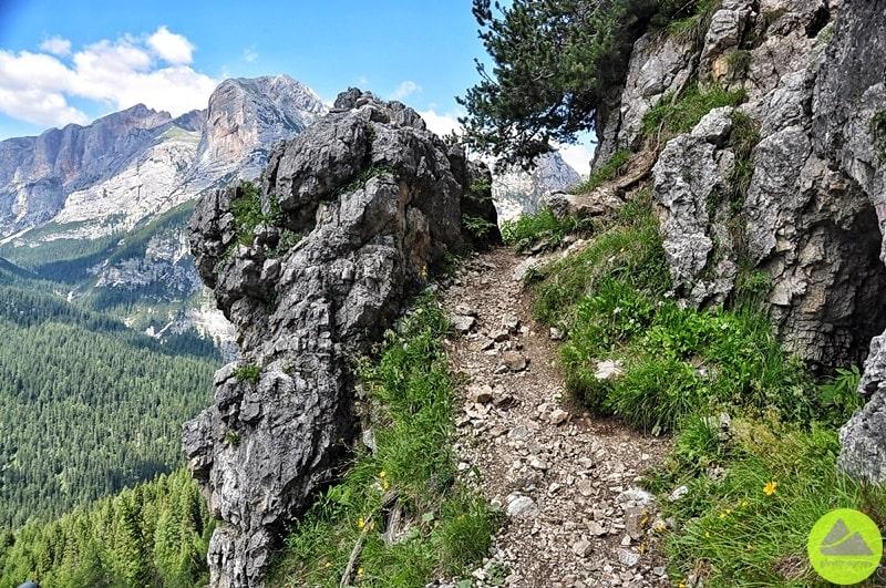 szlak do wysokogorskiej drogi ubezpieczonej ettore bovero