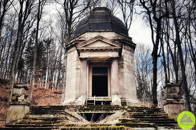 mauzoleum wmaciejowej jelenia góra