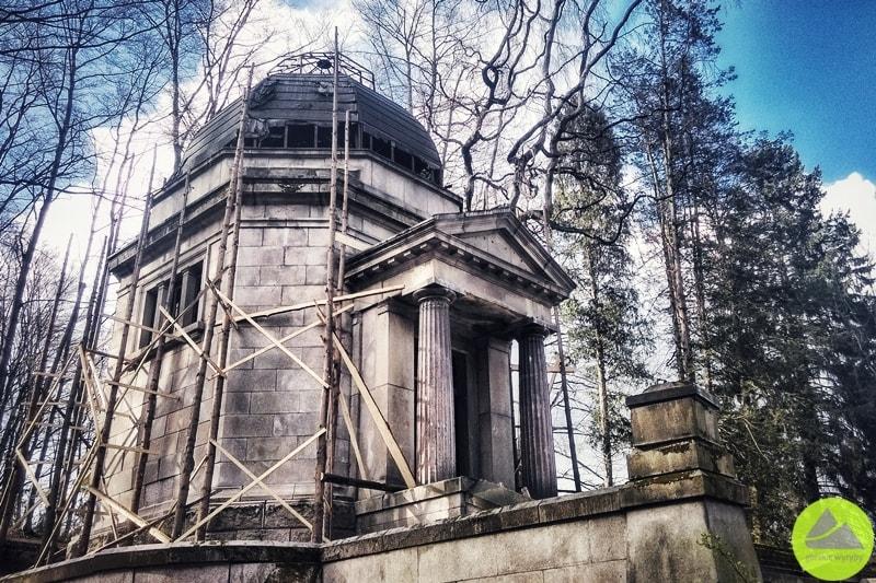 mauzoleum wmaciejowej koło jeleniej góry