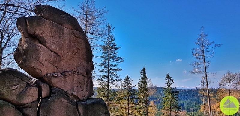 Mała Czaszka tociekawa skała wRudawach Janowickich
