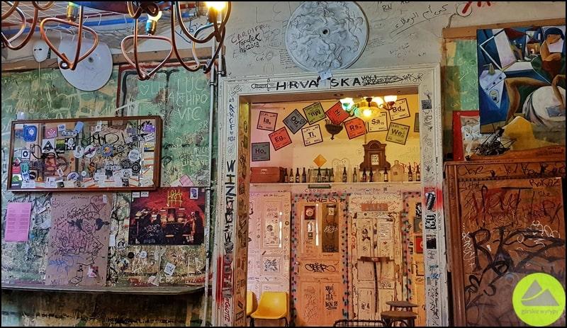 ciekawe miejsca wBudapeszcie ruin pubs