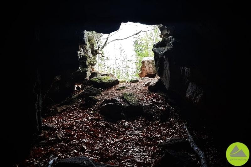 Czerwona jaskinia wKarkonoszach