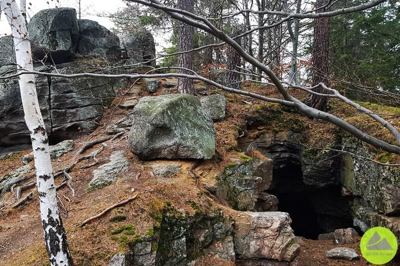 czerwona jaskinia narudziankach eksploracja