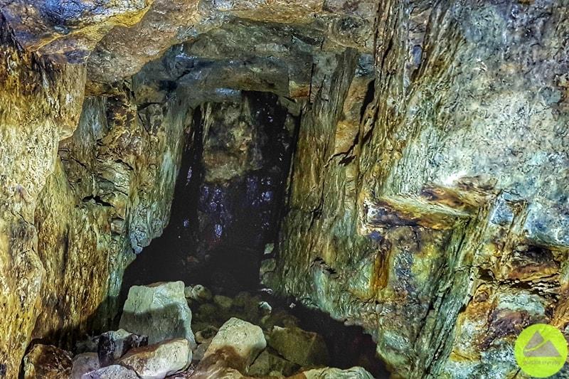 sztolnie dawnej kopalni pirytu na Dolnym Śląsku