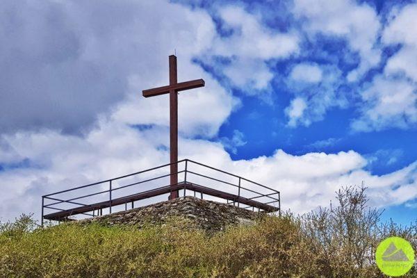 krzyżowa góra w górach kaczawskich platforma widokowa